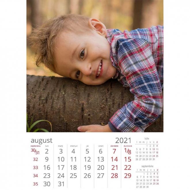 Calendar perete personalizat cu fotografii