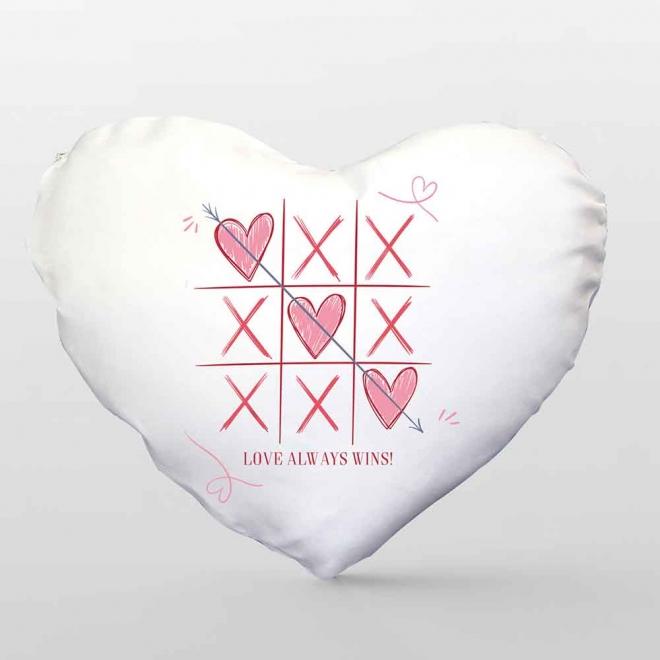 Perna in forma de inima - Love always wins
